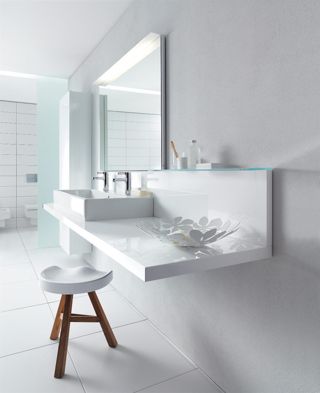 Duravit Delos gloating console with vero basin in white