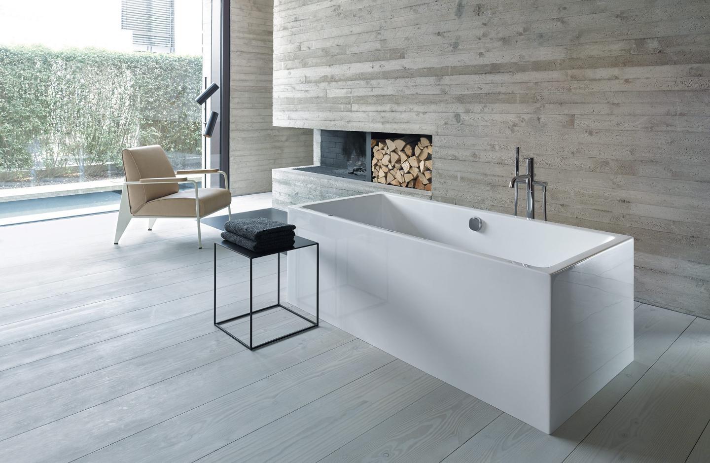 Duravit Vero Air freestanding bathtub in modern bathroom