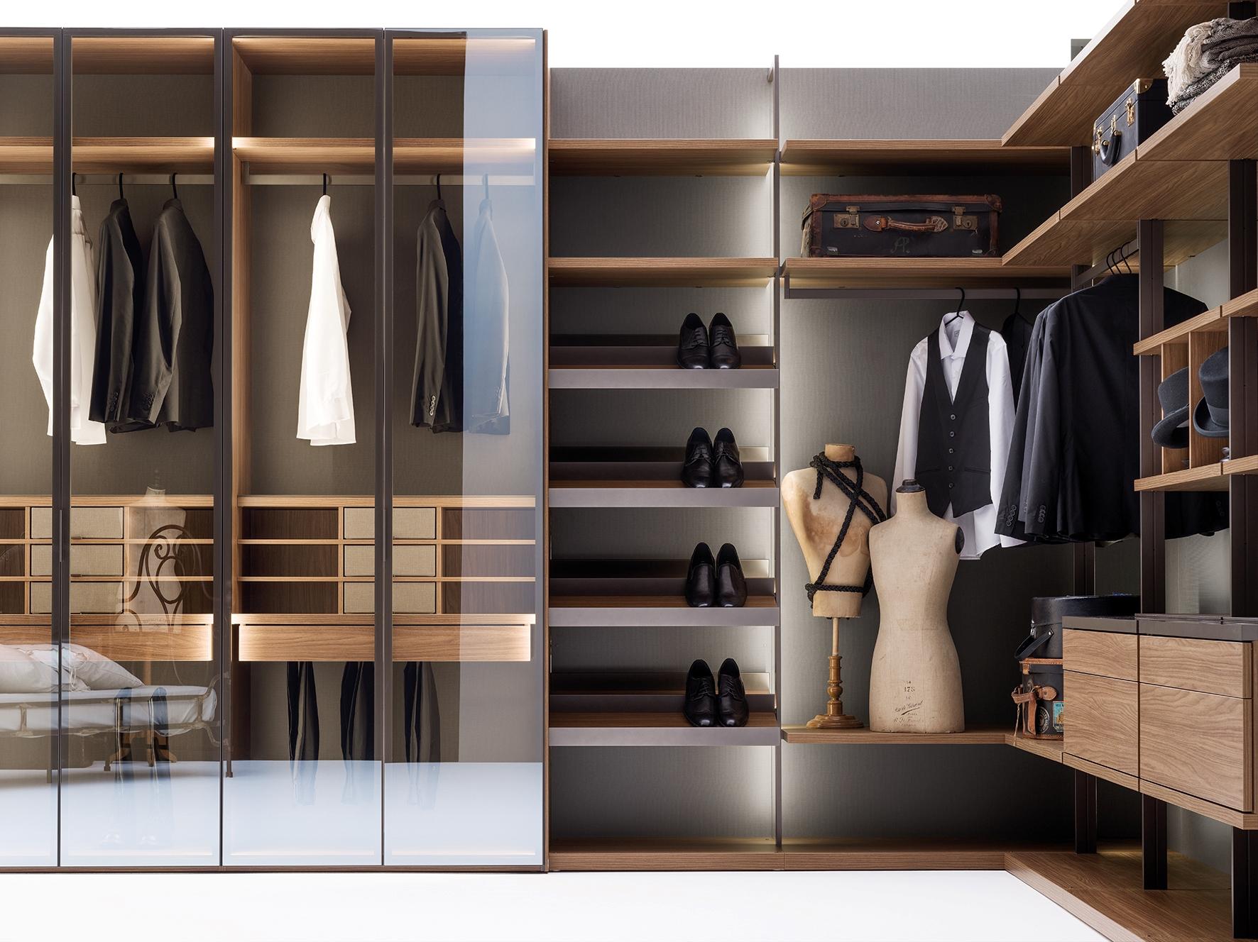 Walk-in Wardrobe by Caccaro.